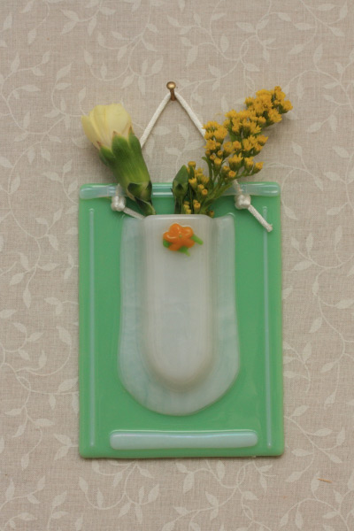 fused glass flower wall pocket 3x4 imches