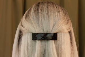 fused glass hair clip paleo-glassic white mulberry