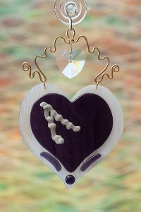 Fused glass suncatcher purple heart with crystal and brass wire